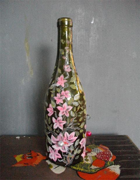 Декорирование бутылок цветами своими руками 8